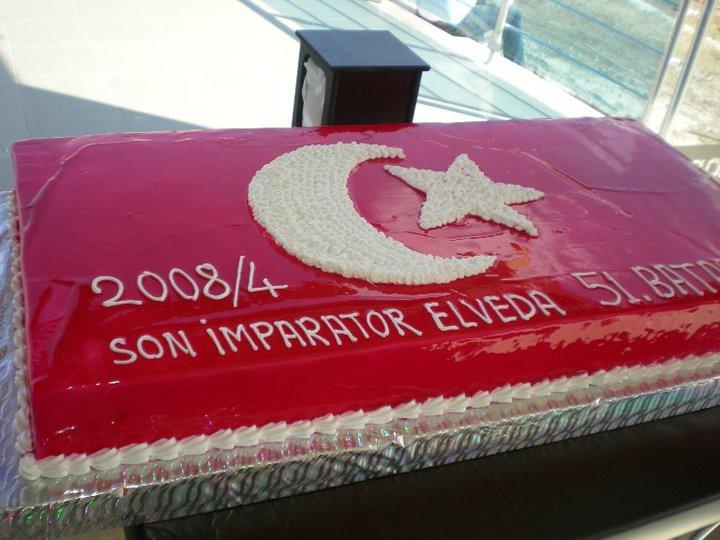 Türk Bayraklı Pasta